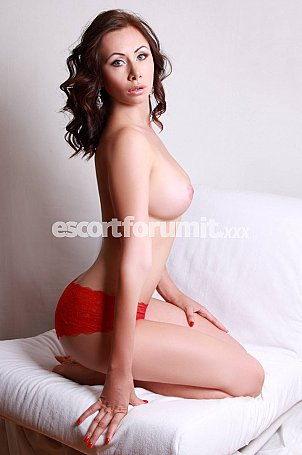 VIKKY HOT Catania  escort girl