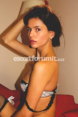 Evelyn Roma  escort girl